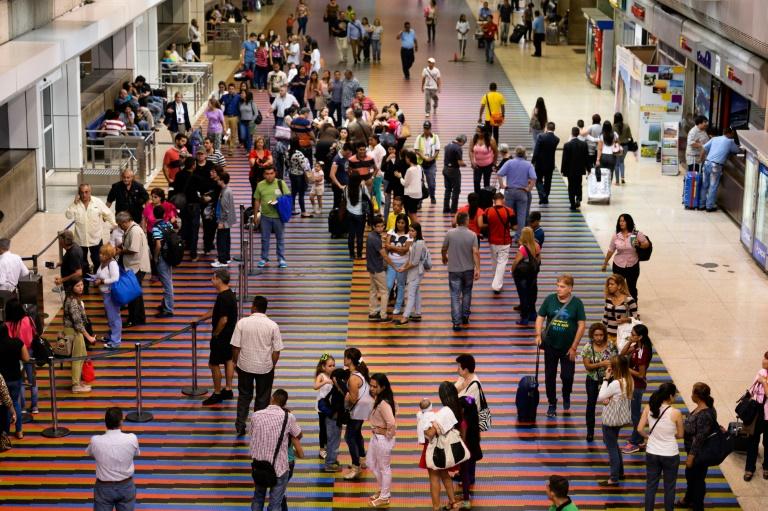 turistas-venezuela-aeropuerto