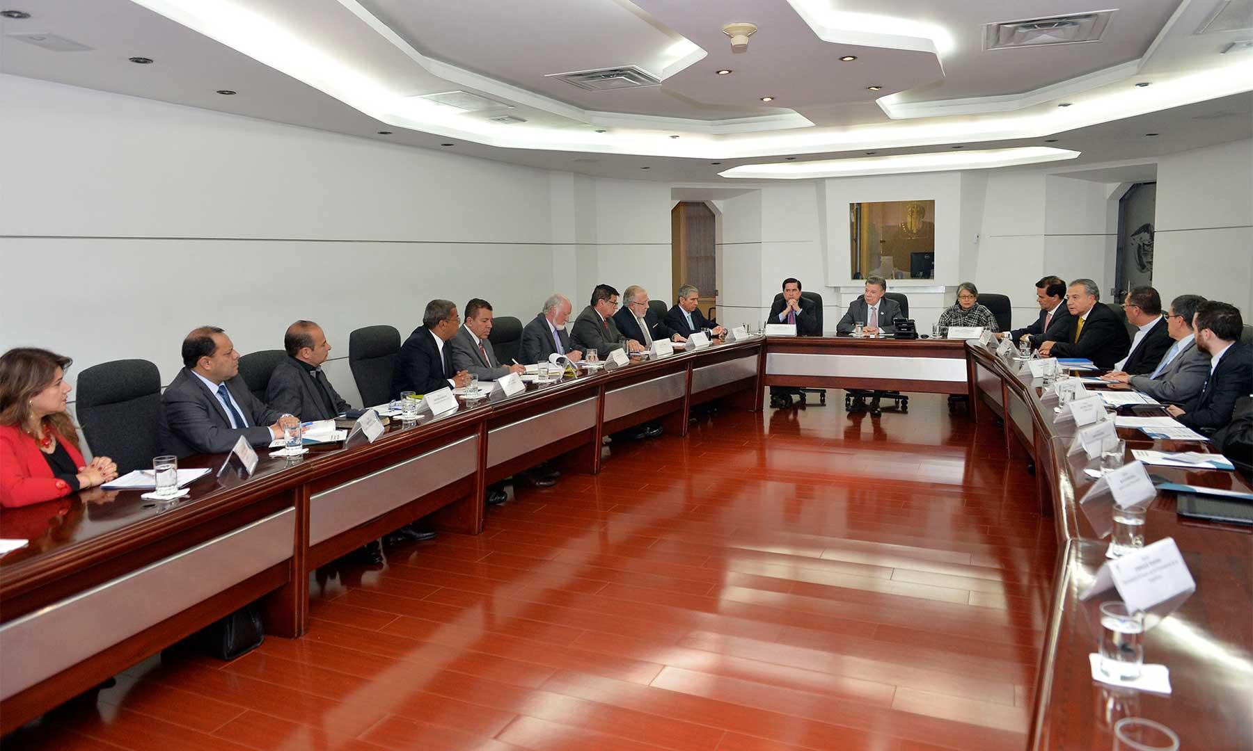 El Presidente Juan Manuel Santos se reunió este martes en la Casa de Nariño con líderes de iglesias cristianas sobre el proceso de diálogo para llevar a feliz término el proceso de paz.