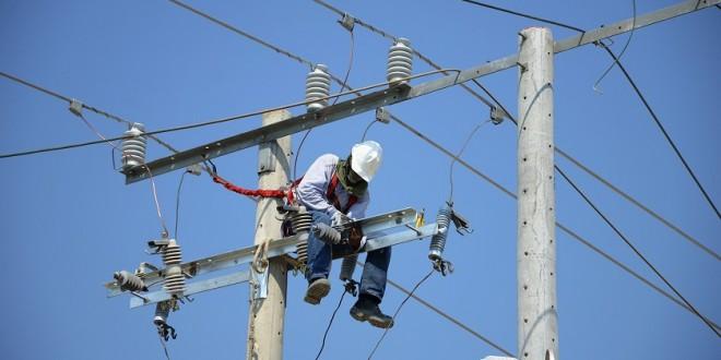 electricaribe-trabajo-de-redes-660x330