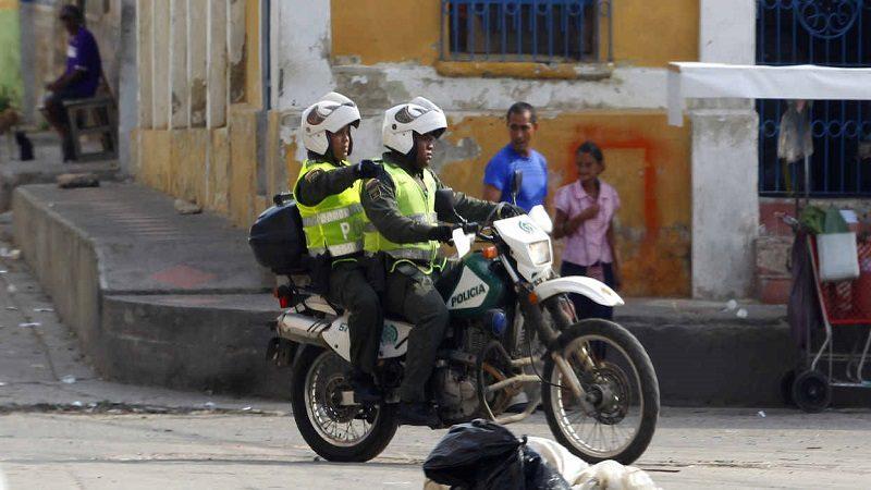 BARRANQUILLA, ABRIL 4 DE 2013 La Policía Nacional intensificó los operativos para controlar y extinguir las ollas de consumo y venta de drogas en el departamento. En esta ocasión el turno fue para la Zona Cachaval, en lo alrededores del Hospital Barranquilla, donde se incautó gran cantidad de droga y armas ilegales. FOTOS GUILLERMO GONZÁLEZ/ADN