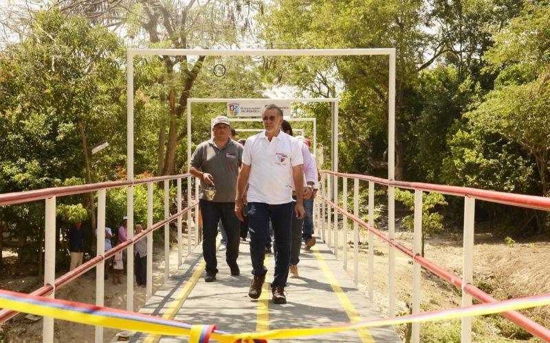 Entrega puente peatonal en Baranoa (3)