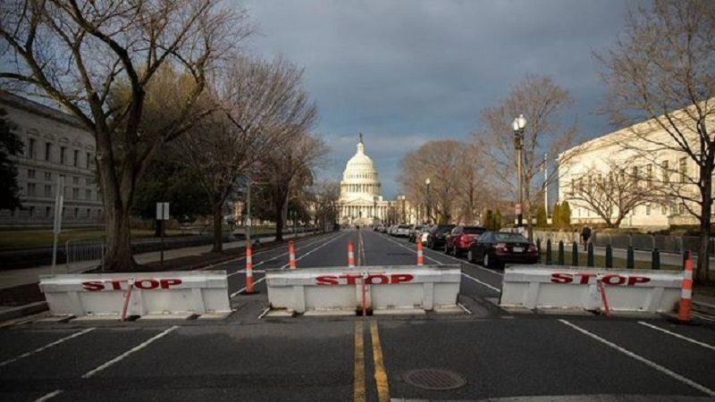 Washington-fortificada-barricadas-posesion-Trump_EDIIMA20170119_0619_4