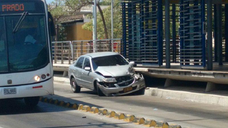 accidente estacion transmetro