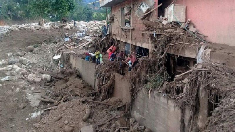 COLOMBIA INTENSIFICA BÚSQUEDA DE VÍCTIMAS TRAGEDIA CON AL MENOS 234 MUERTOS