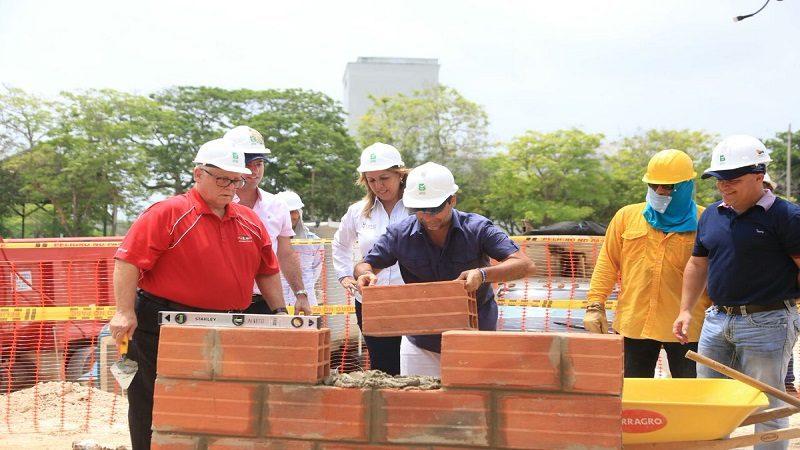 Alcalde Char puso la primera piedra para el nuevo 'Coliseo Cubierto' de Barranquilla
