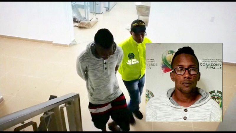 Vídeo Así se entregó alias 'Cola y Pola', señalado del homicidio de niña de 12 años en San Roque