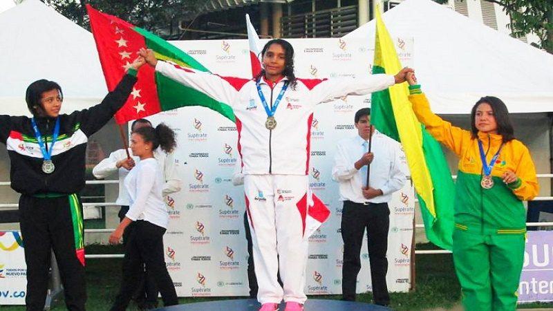 Valentina Barrios Bornacelli medalla de oro en salto triple sub 19
