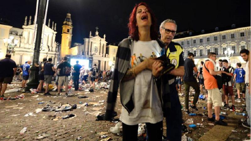 Al menos 200 heridos tras estampida de hinchas del Juventus ok