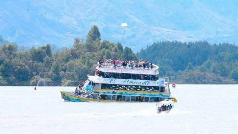Al menos nueve muertos y más de 20 heridos tras naufragio en Guatapé