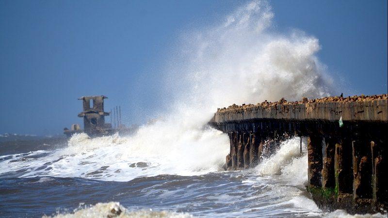 Alerta por crecida del mar en Atlántico y La Guajira