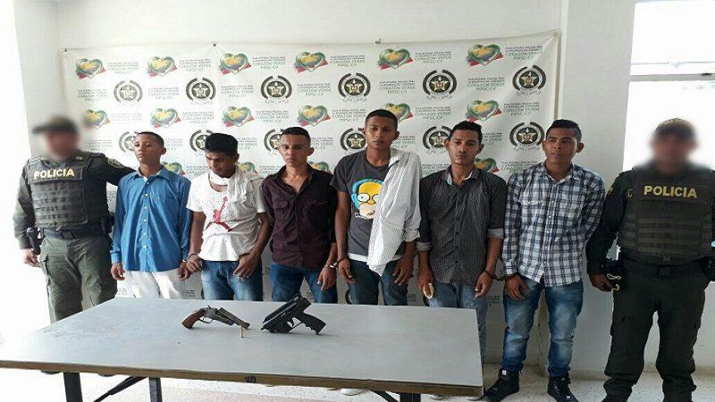 Capturan a seis hombres en taxi con una subametralladora y una escopeta en Malambo
