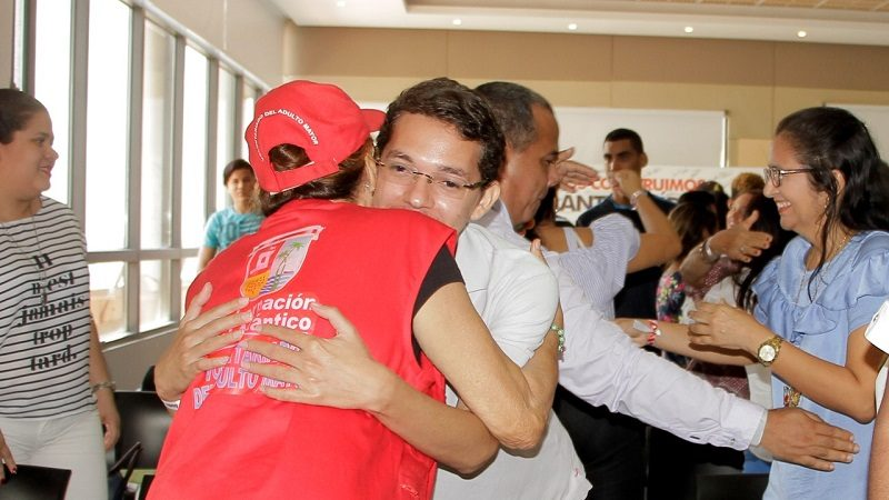 Con 'abrazoterapia' buscan disminuir la violencia intrafamiliar en Atlántico