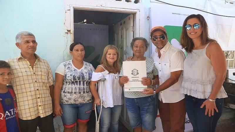 Entregan títulos de vivienda a 700 familias de Barranquilla