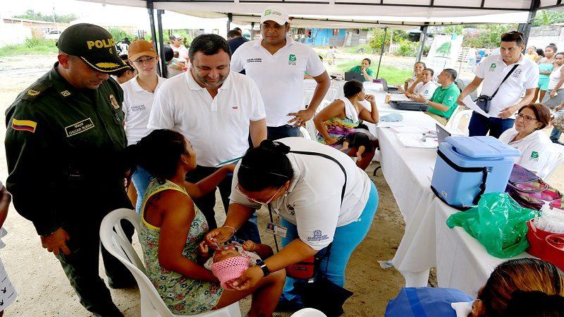 Familias de 'Bendición de Dios' recibieron servicios distritales cerca de sus casas