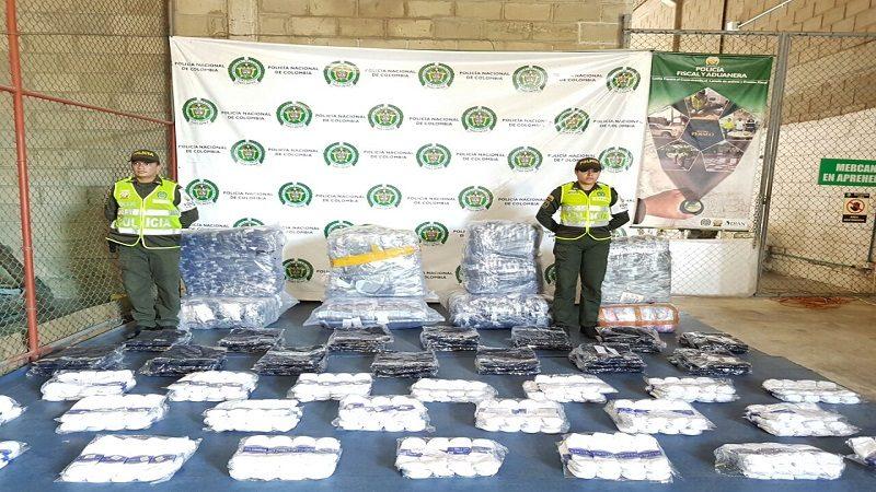 Policía dio duro golpe al contrabando de confecciones y de licores en Barranquilla