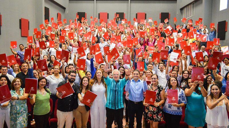 Universidad de la Costa entrega 180 becas para especialización a docentes de Soledad