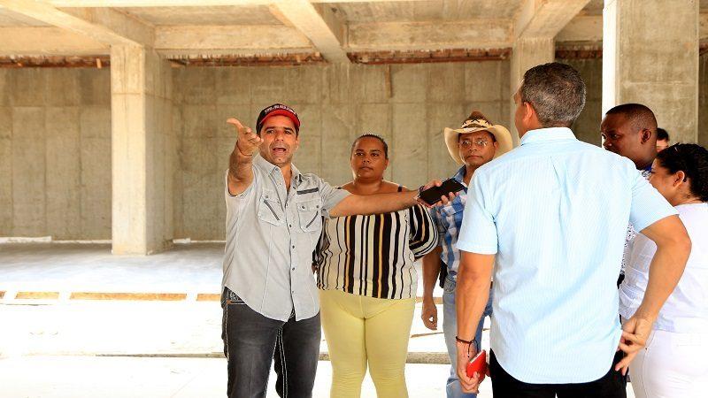 Alcaldía construye zona especial para más de 100 comerciantes de la calle 72