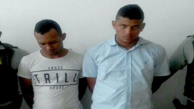 Aprehenden a tres menores de edad y capturan a dos hombres por porte de armas y estupefacientes