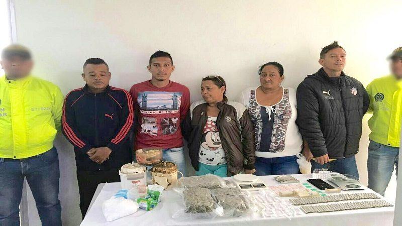 Policía captura a cuatro vendedores de droga en el barrio Villa del Carmen, Soledad