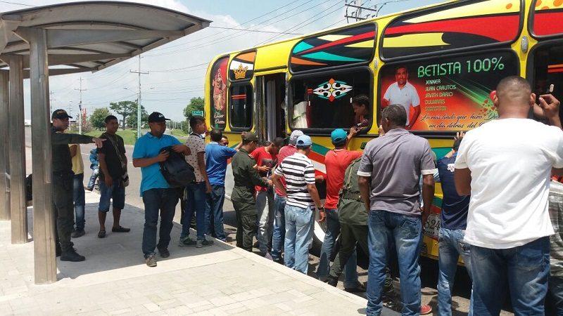 Policía refuerza seguridad en la vía La Cordialidad a la atura del municipio de Galapa
