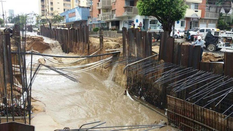 Arroyo de la calle 76 dañó tubería y dejó 17 sectores sin agua