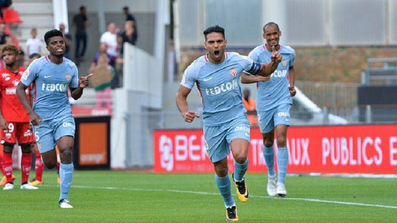 Con triplete de Falcao Mónaco goleó 4-1 al Dijon