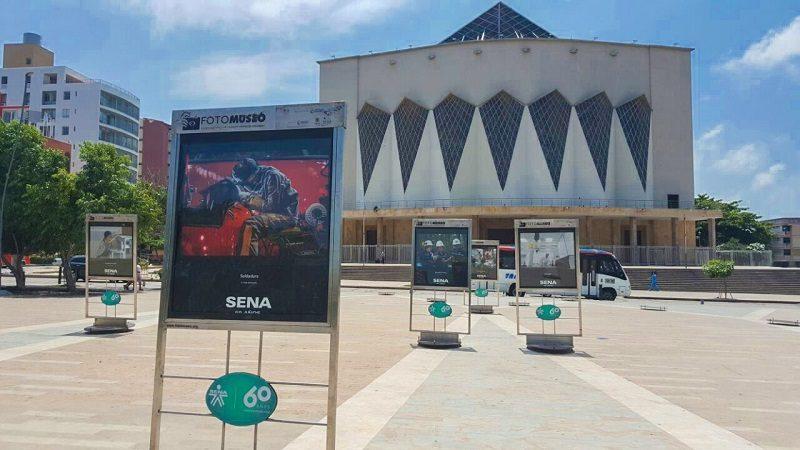 El Sena realiza exposición fotográfica en la Plaza de la Paz de Barranquilla