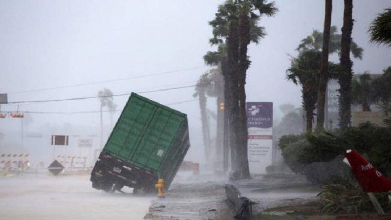 El huracán Harvey se degrada a categoría 1 sobre Texas
