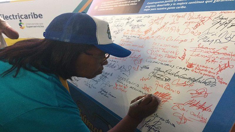 Electricaribe y líderes regionales firman pacto por la buena energía, en Santa Marta