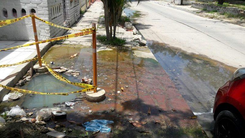 Habitantes del barrio Santa Elena denuncian problemas de alcantarillado