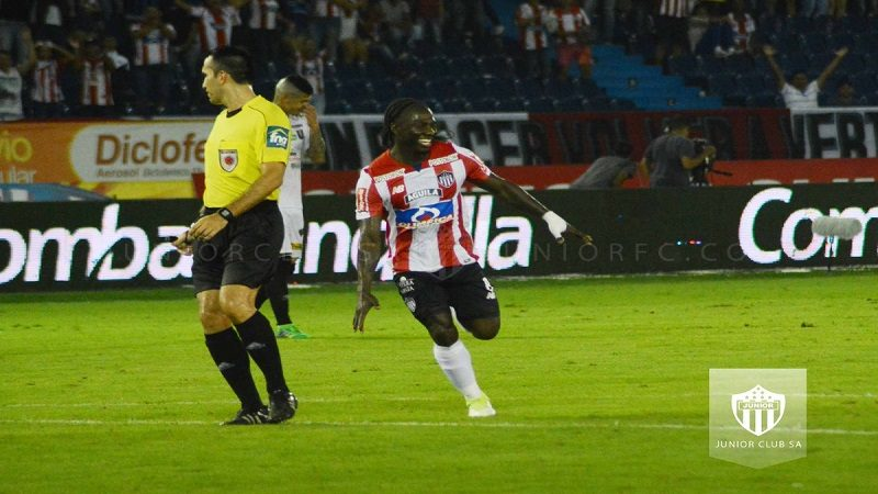 Junior derrotó 3-0 a Once Caldas y es el líder de la Liga