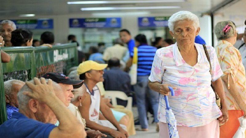 registro de huellas de beneficiarios del programa Colombia Mayor