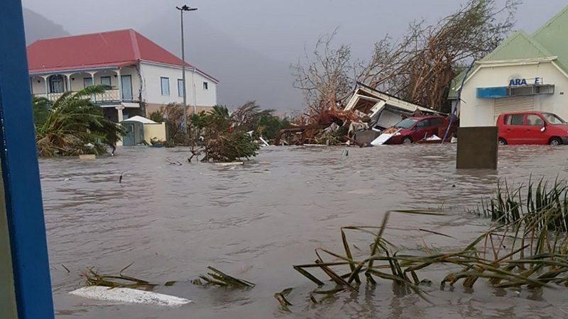 Huracán María azota a Puerto Rico y causa inundaciones y daños