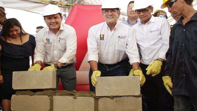 Ponen primera piedra de un nuevo y moderno hospital para Malambo