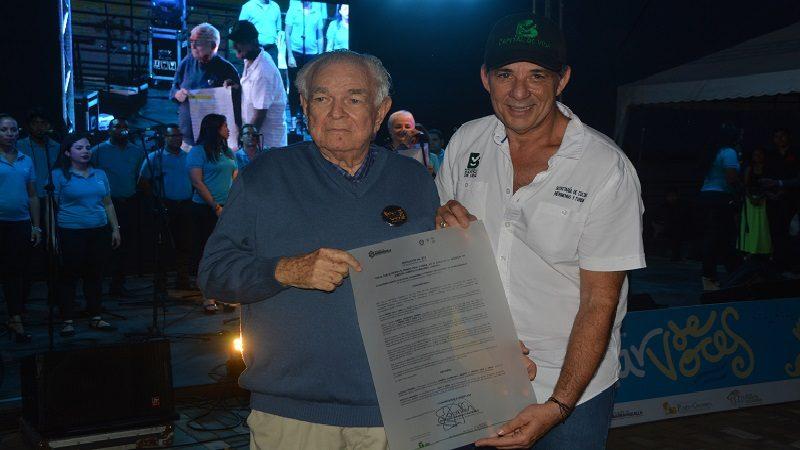 Alberto Carbonell, premio Vida y Obra del Portafolio Artístico 2017, recibió reconocimiento del Distrito