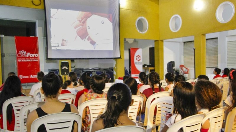 Cine foros, una herramienta para prevenir problemas sociales en menores del Atlántico