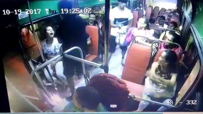 Con navajas atracan a pasajeros de bus de Sobusa en La Playa