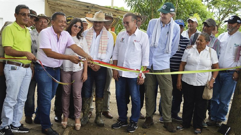 Gobernación entrega lote a Corpoica para impulsar agroindustria en el sur del Atlántico