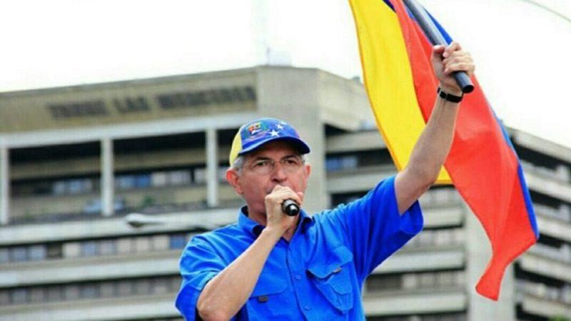 Alcalde de Caracas escapó de Venezuela y se refugió en Colombia