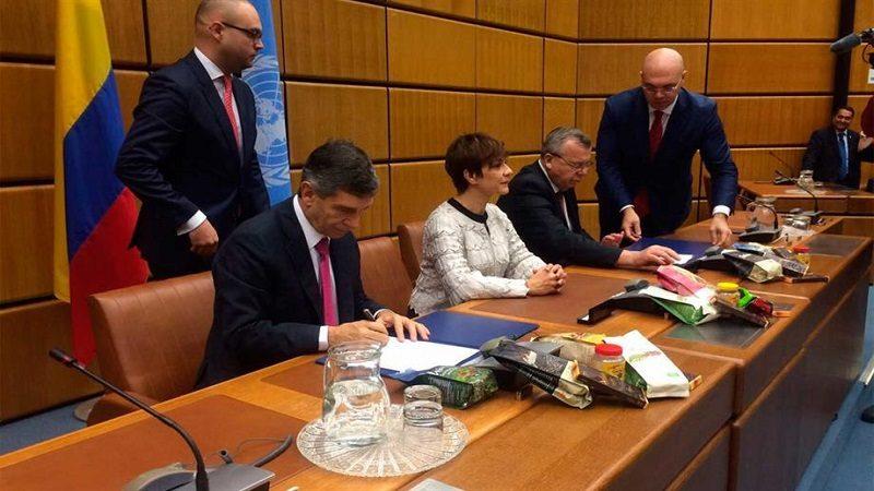 Colombia y Naciones Unidas firman acuerdo histórico para sustitución de cultivos de coca