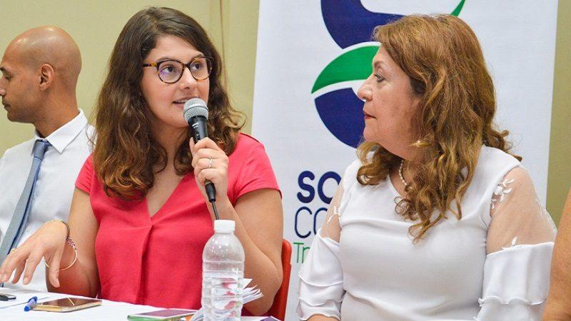 Funcionaria de la Embajada de Francia dictó conferencia en Soledad, sobre violencia de género
