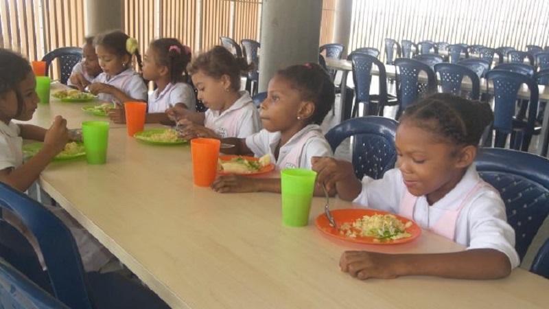 Hasta una ferreter a facturaba por alimentos escolares en for Comedores escolares en colombia