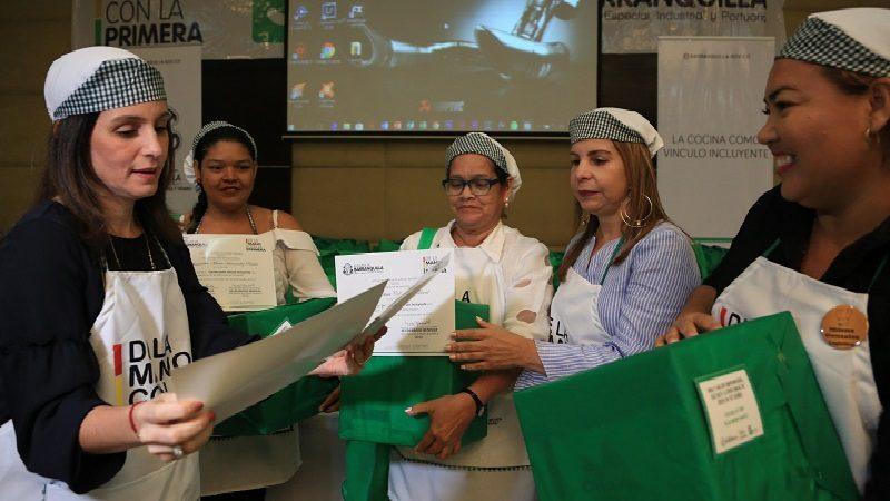 Más de 100 mujeres fortalecieron sus unidades de negocio con el programa 'Cocina como vínculo incluyente'