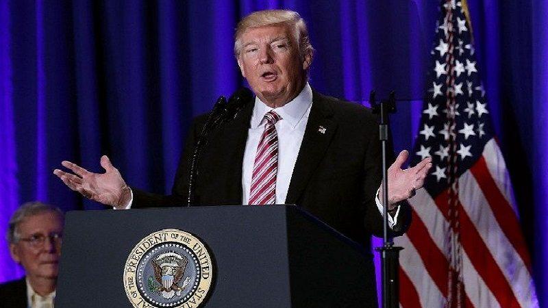 Trump pide no culpar a las armas por tiroteo en Texas