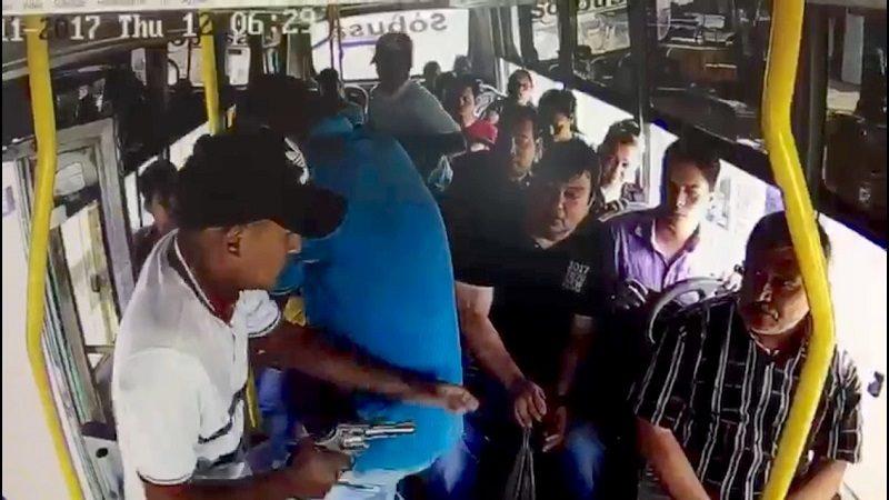 Un pasajero herido deja atraco a bus de Sobusa en el barrio Rebolo