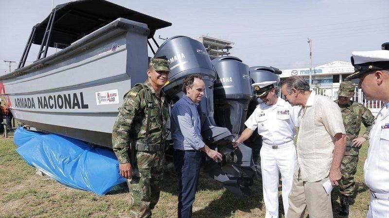 Entregan equipamiento a Fuerzas Militares del Atlántico
