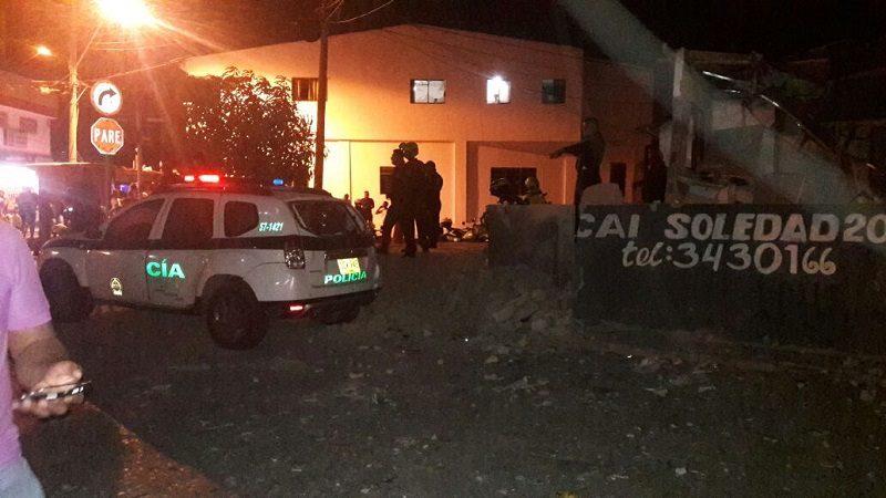 Al menos 10 casas, una iglesia y un colegio, afectados por atentado en Soledad 2000
