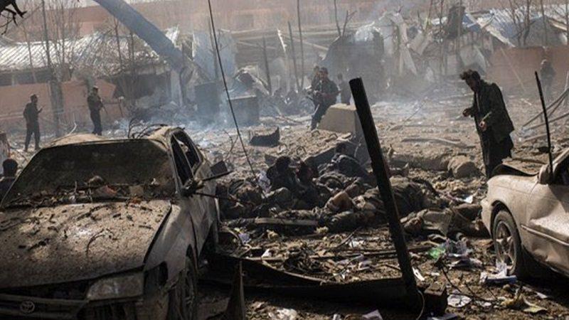 Al menos 95 muertos deja atentado con ambulancia-bomba en Kabul