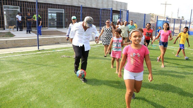 Alcalde Char anuncia gran Centro de Salud y moderno parque para el barrio El Ferry