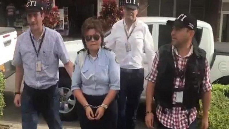 Capturan a agente de tránsito que firmó más de mil comparendos en tres días cuando estaba de descanso